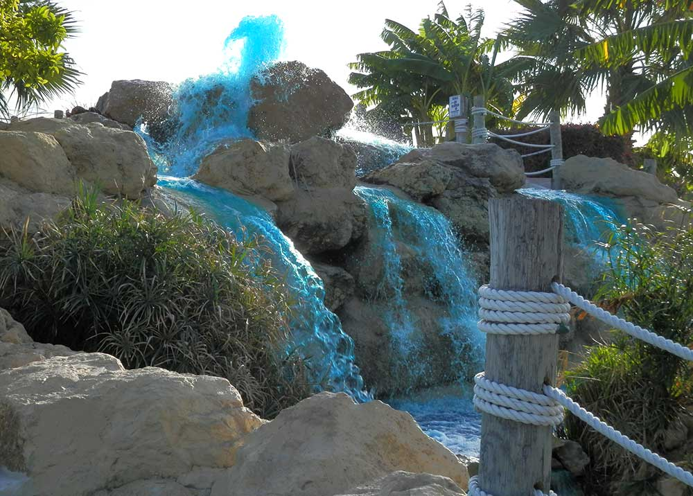 San Antonio mini golf waterfalls